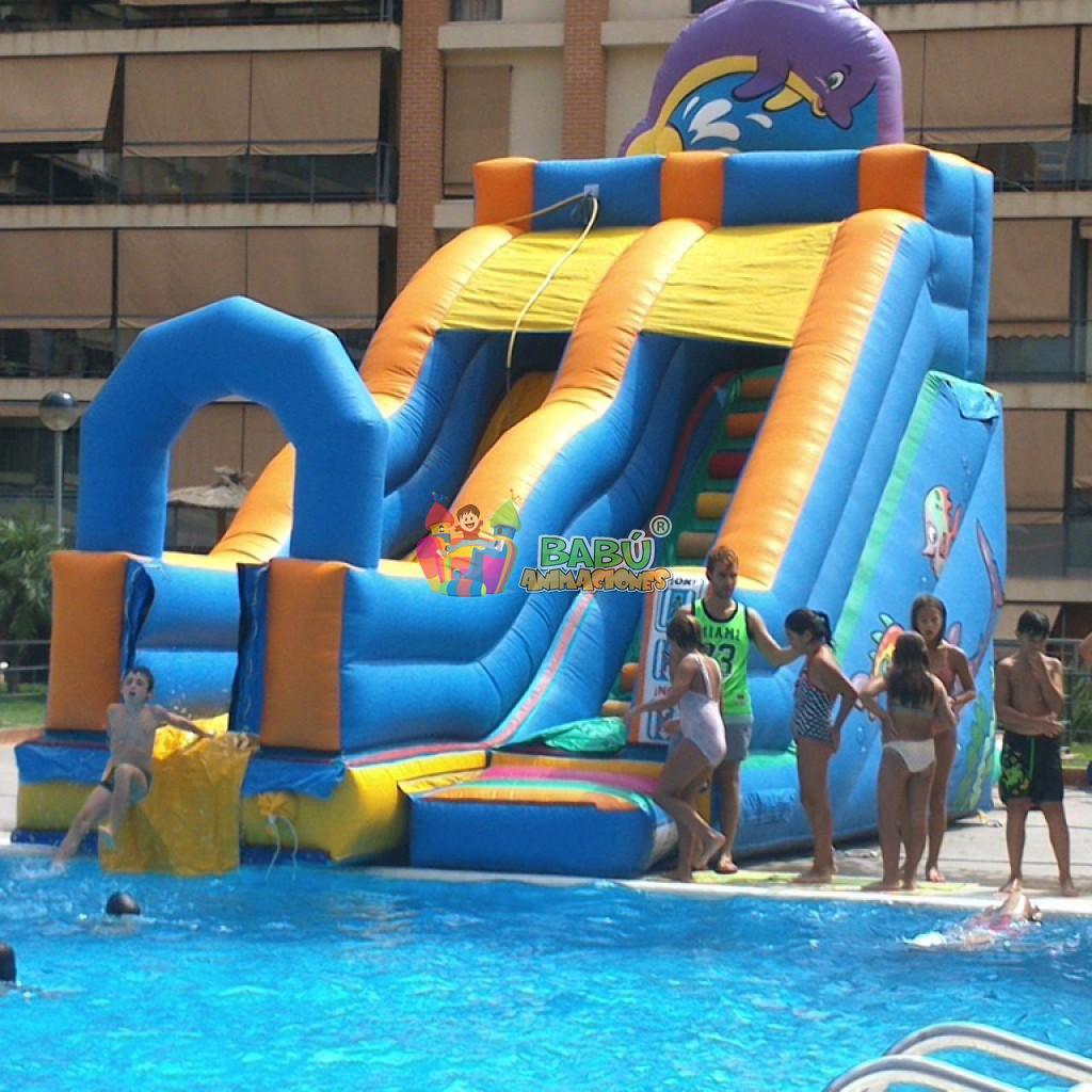 Alquiler de castillo hinchable acuatico para el verano