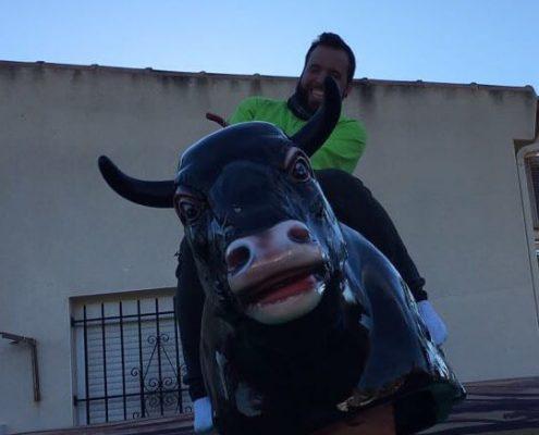 Diversión asegurada con el toro mecánico